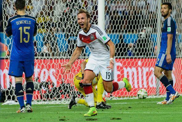 Tras un partido cerrado que se fue sin goles en los 90 minutos, el poder...