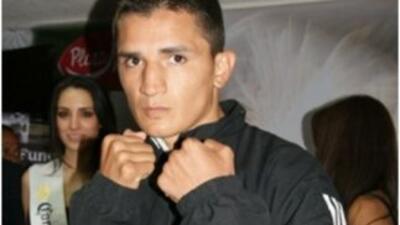 Daniel 'Tremendo' Estrada disputará título plata.