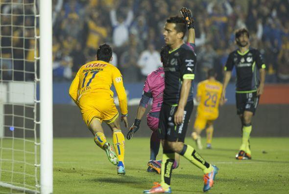 Los goles del encuentro fueron conseguidos por Alan Pulido a los 12 minu...