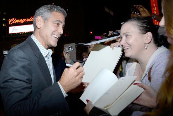 """""""¡Hola George Clooney! ¿Me darías tu autógrafo en cada página de este li..."""
