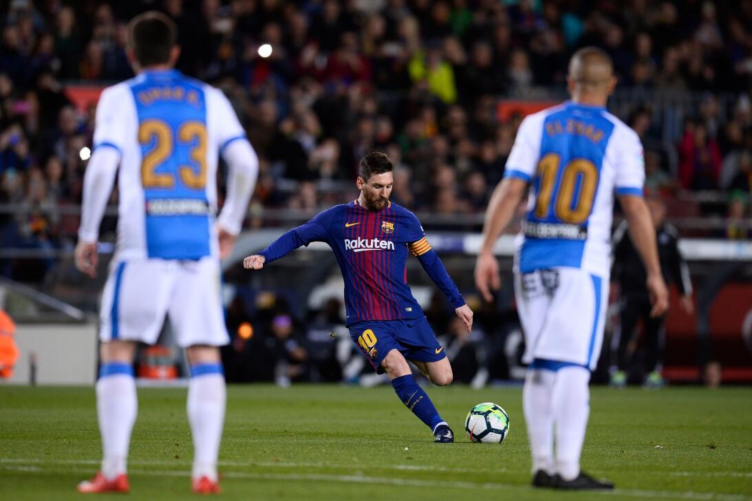 En fotos: Barcelona de récord con triplete de Messi gettyimages-94309097...
