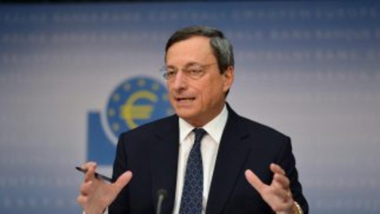 Draghi explicó además que no han tenido en mente un límite específico pa...