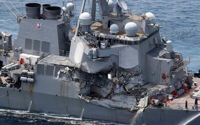 Encuentran muertos a siete marineros dentro del destructor estadounidens...