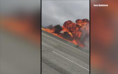 Testigos graban el momento en el que una avioneta se estrella en la auto...