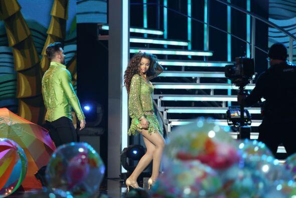 Clarissa y el actor Mauricio Mejía bailaron un contagiose merengue. La d...
