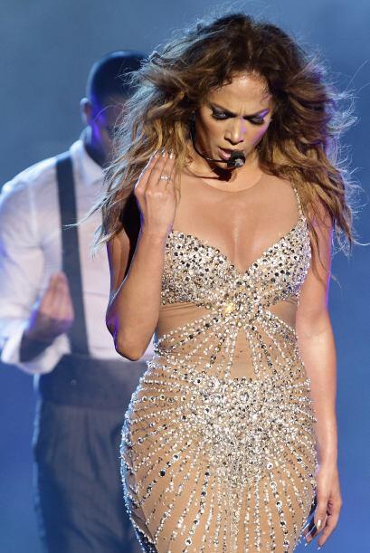 Jennifer Lopez aprovecha sus conciertos para derrochar sensualidad.  Mir...