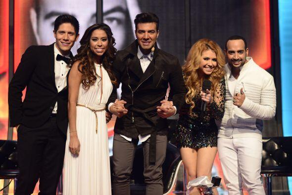Virginia Stille con Jencarlos y sus compañeros de equipo en la gala 11.