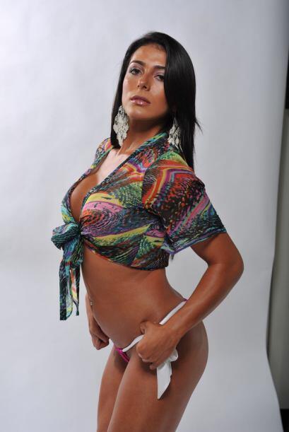 María es chilena pero vive hace 12 años en Boston. Trabaja en una empres...