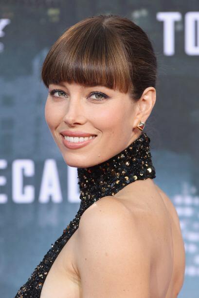 Jessica Biel tiene los labios super carnosos. Mira aquí lo último en chi...
