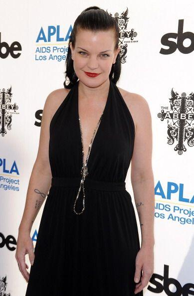 La actriz  Pauley Perrete en la 13th Annual The Envelope Please party el...