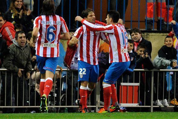 Y después el brasileño Diego consiguió el tercer gol del Atlético, que t...