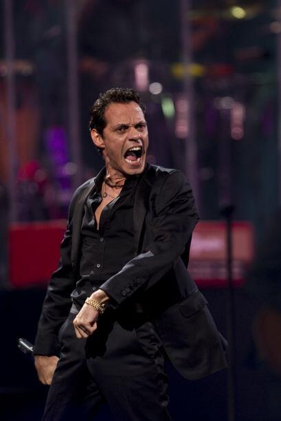 """Marc Anthony invitó a su amigo José Luis Perales para cantar """"Cómo es él""""."""