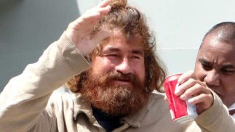 El pescador, de 37 años, contó haber sobrevivido comiendo pescados y páj...