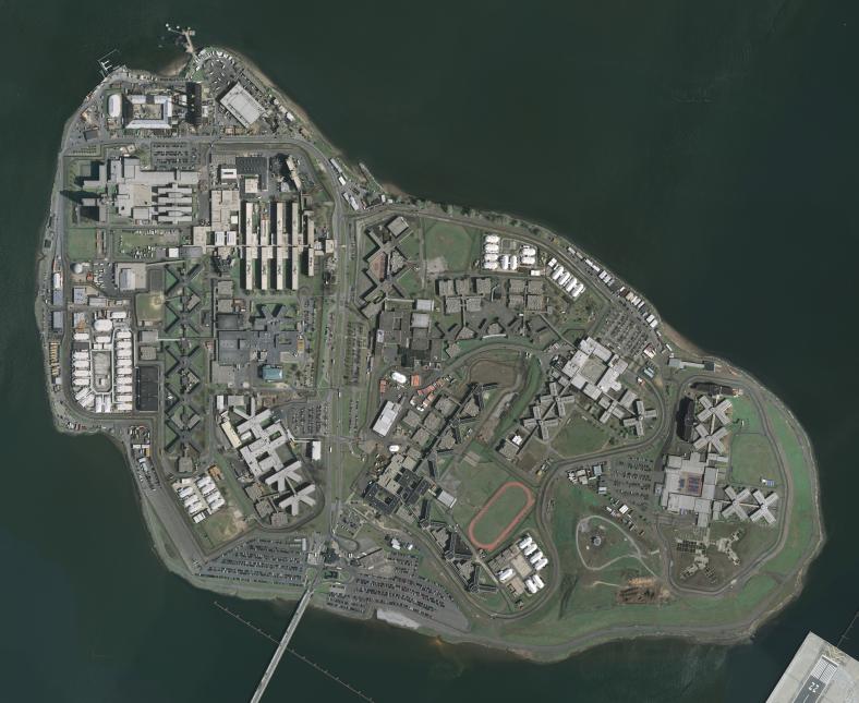 En fotos: Rikers Island, el violento complejo carcelario con 10 prisione...