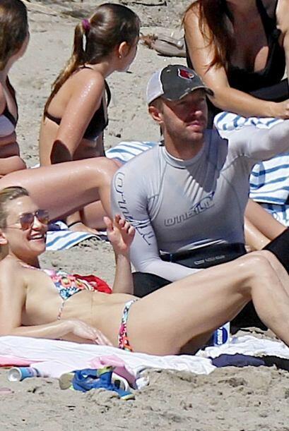 Así los captaron los paparazzi en la playa.