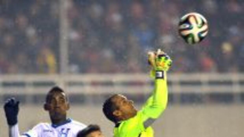 Honduras no mejoró, pero mantuvo su valla sin goles ante China.