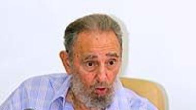 Fidel Castro visitó este martes un centro de economía en nueva aparición...
