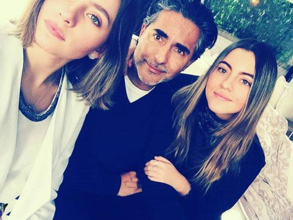 Raúl Araiza y sus hijas
