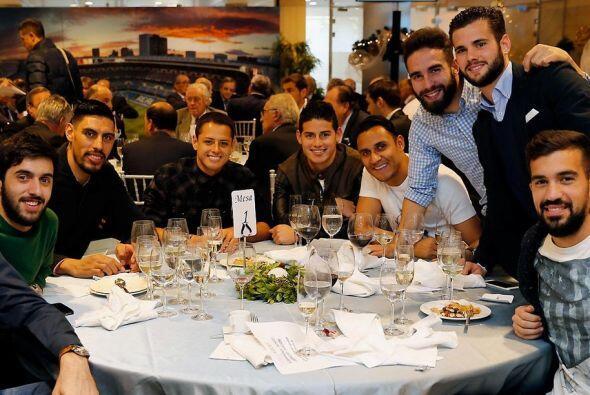 Los integrantes de los equipos de fútbol y basquetbol de Real Madrid tuv...