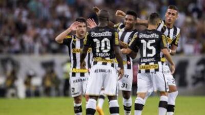 Una actuación desbordante de Vitinho y Seedorf, le dio al Botafogo un di...