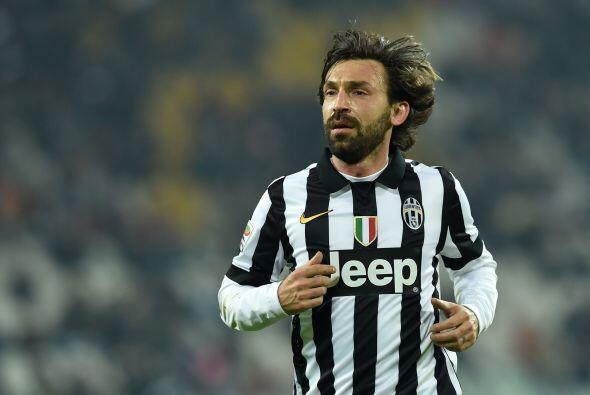 Pese a que Andrea Pirlo ya tiene 35 años de edad al espectacular medioca...