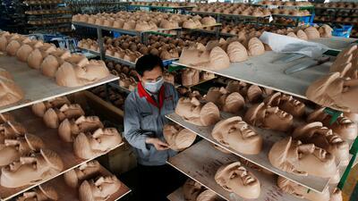 Los rostros de Trump y Clinton son la apuesta de una fábrica china de máscaras