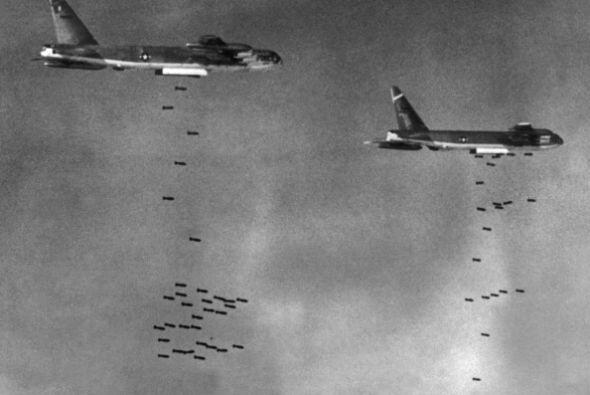 La invasión de Camboya fue una medida tremendamente impopular en...