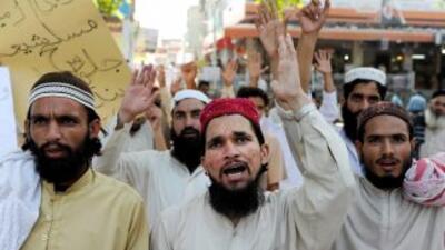 Musulmanes en todo el mundo protestaron por la amenaza de quema del Corá...