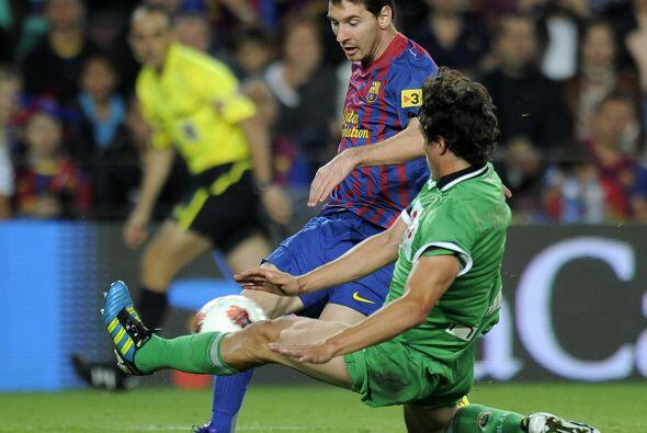 Messi quería más y su 'gambeta' hacían delirar a los presentes.