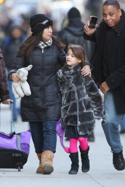 Otra pequeña celebridad que cuenta con niñera es Suri Cruise, hija de Ka...