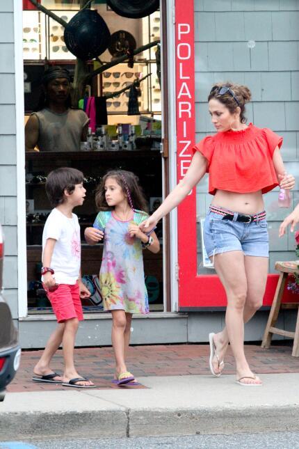 JLo y sus hijos