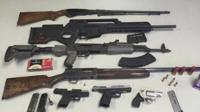 Autoridades señalan que han confiscado más de 5,000 armas de fuego durante el 2018 en Chicago