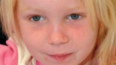 Conmociona al mundo el caso de una niña encontrada con una familia de gi...