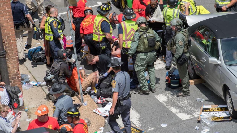 Las autoridades atienden a las víctimas del atropellamiento en Charlotte...