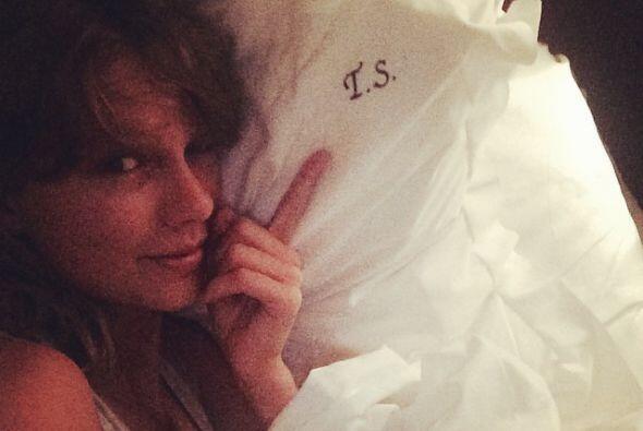 Taylor Swift enseñó su lado más lindo y femenino al compartir esta image...