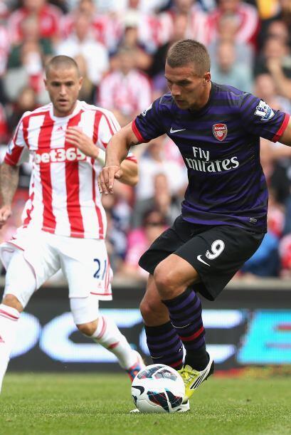 Lukas Podolski como nuevo hombre gol de este club londinense sigue queda...