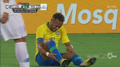 Árbitro pitó falta sobre Neymar y Yedlin le preguntó si había visto el Mundial