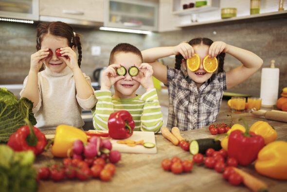 ¿No logras que tus niños coman ese bocado de zanahorias o esa manzana? N...