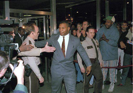 Mike Tyson fue sentenciado a 6 años en prisión y 4 en libertad condicion...