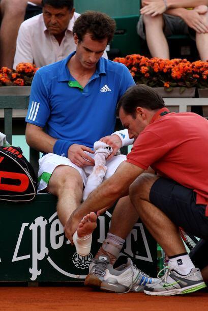 El británico Andy Murray (N.4), con problemas en su tobillo derecho, igu...