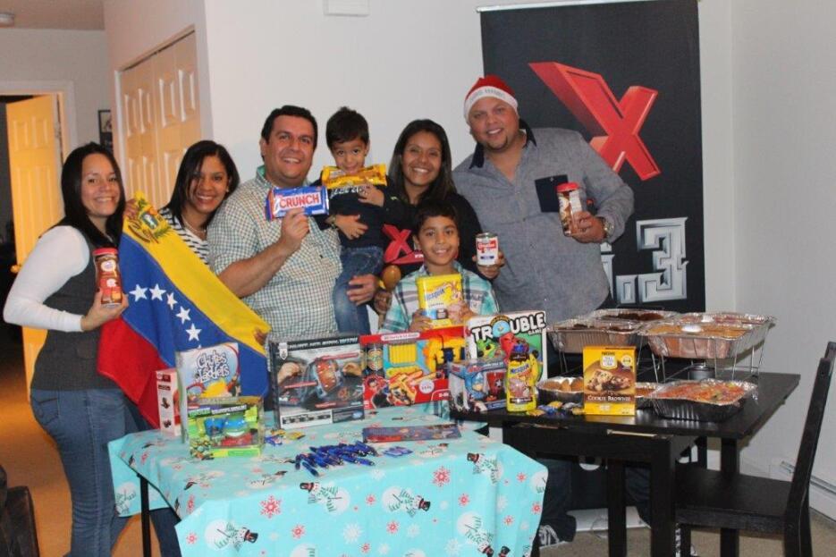 Familia latina pasa una feliz parranda IMG_2984.jpg
