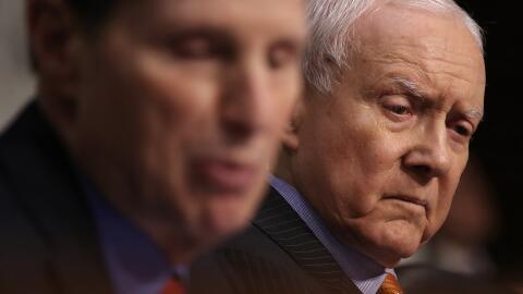 El presidente del Comité de Finanzas del Senado, el republicano O...