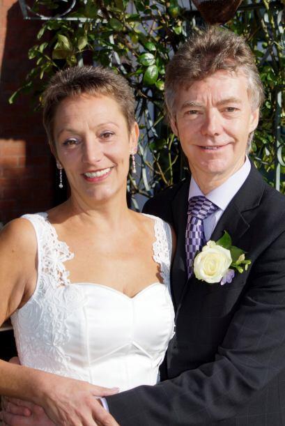 Los felices enamorados sólo pudieron afirmar que su boda fue asombrosa y...
