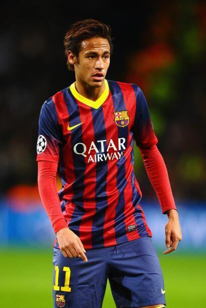Neymar (6): Martino lo volvió a poner en la derecha, donde fue incapaz d...