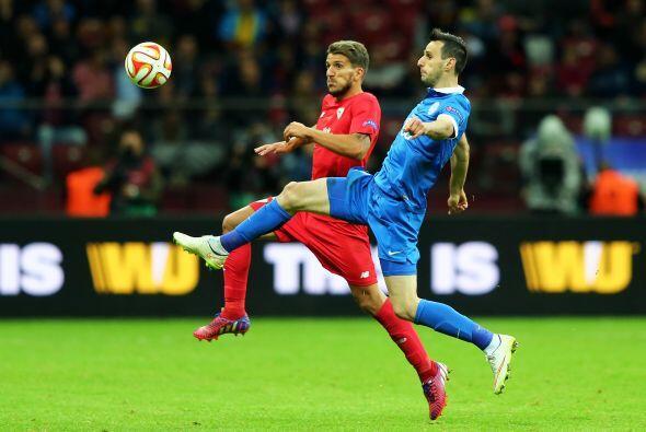 Con el segundo gol, el Sevilla era más en la cancha, aunque el Dnipro se...