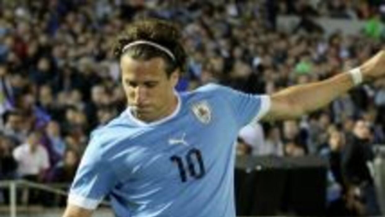 Diego Forlán irá a jugar a Japón.
