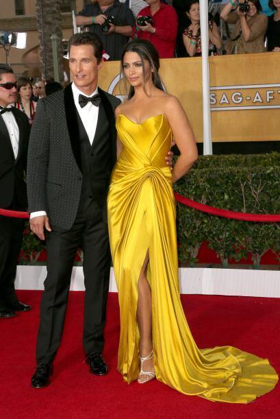 Una de las parejas mejor vestidas fue la de Matthew McConaughey y Camila...
