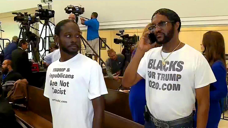 ¿Quién es el afroamericano que estuvo en un evento de Trump y al día sig...