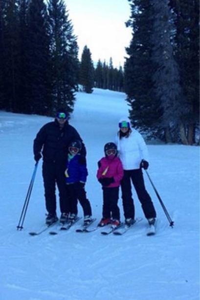 """""""¡Hasta pronto Colorado! Con mis amores,  mi familia"""" expresó Karla. (En..."""