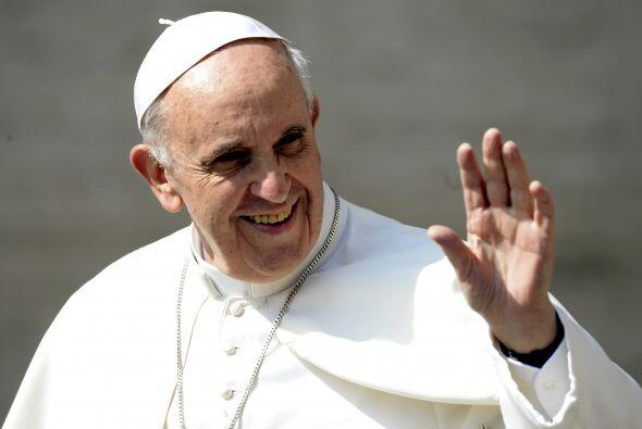Es cierto que a comparación de sus predecesores, el papa Francisco tiene...